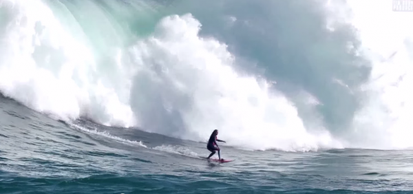Female surfer Felicity Palmateer breaking records in Australia by catching and surviving this beast. (Screenshot/YouTube)