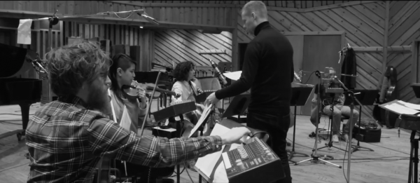 Max Richter working with the American Contemporary Music Ensemble - ACME. (Screenshot/YouTube)