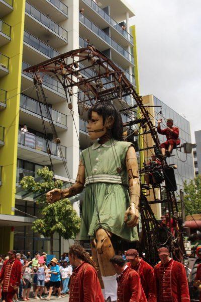 The Little Girl-Giant walking down Hay Street in Perth, Western Australia. (Image: Creative Commons / Kollision)
