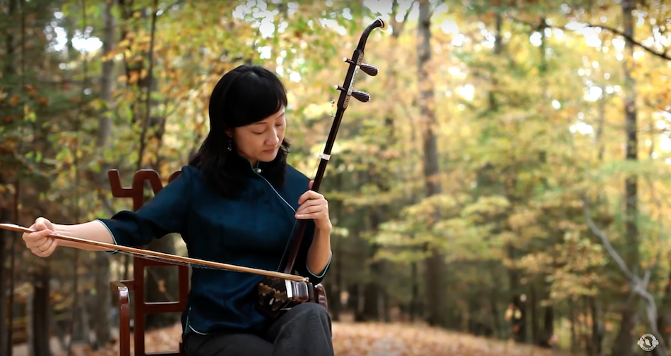 The Erhu (Chinese Violin) has a history of over 4000 years. (Image: Shen Yun Official Account via YouTube/Screenshot)