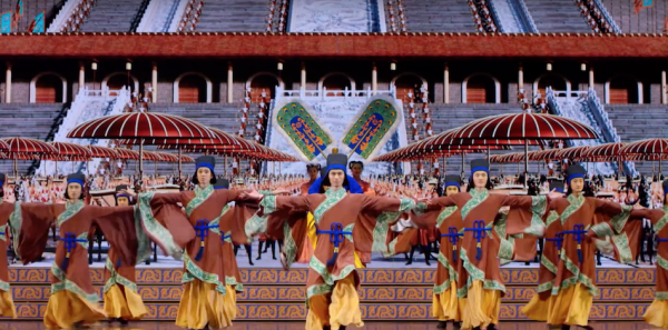 Shen Yun brings to life virtues from the stories of past dynasties where it was believed all lands were under the watch of Heaven, and belonged to no earthly king. (Image: Shen Yun Official Account via YouTube/Screenshot)