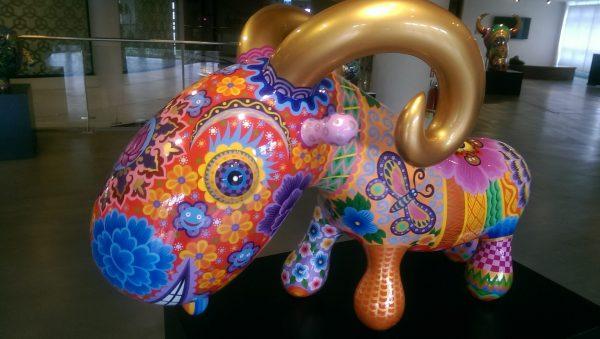 "Taiwanese artist Hung Yi's enameled steel sculpture ""Goat Elegant"" (Image: Billy Shyu/ Vision Times)"