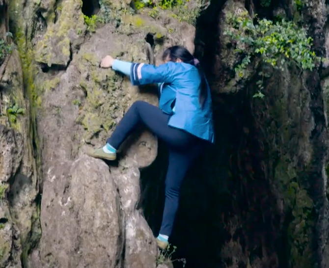 A young woman surnamed Luo willing to learn this skill and passes down the tradition. (Image: Screenshot/YouTube)