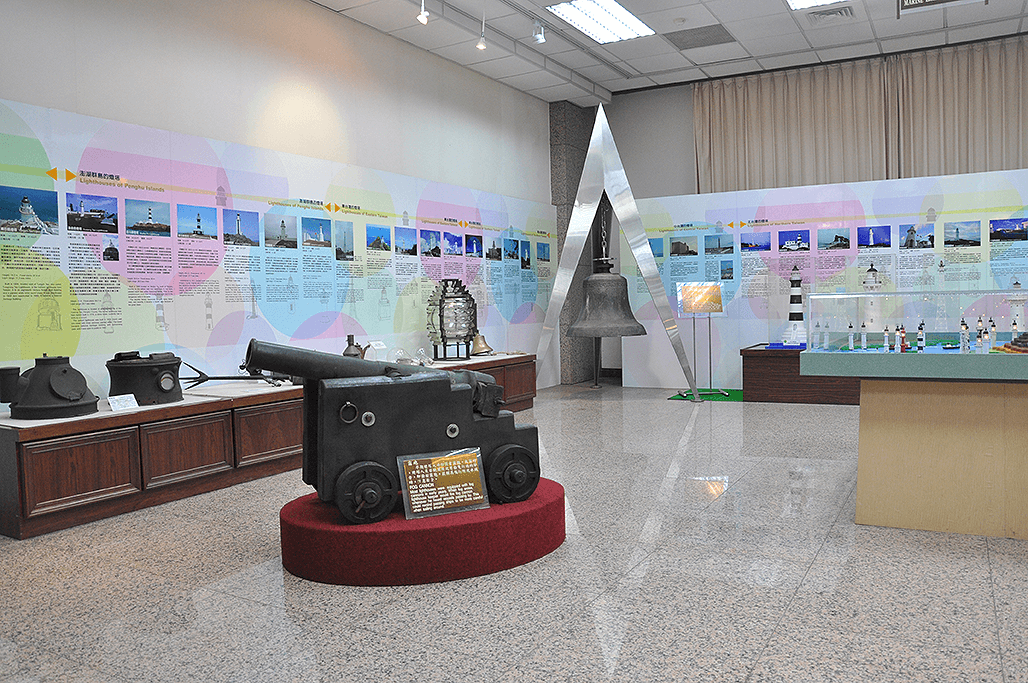 The Customs Museum in downtown Taipei has an exclusive section featuring lighthouses and relevant equipment. (Image: Courtesy of Customs Administration, Ministry of Finance)