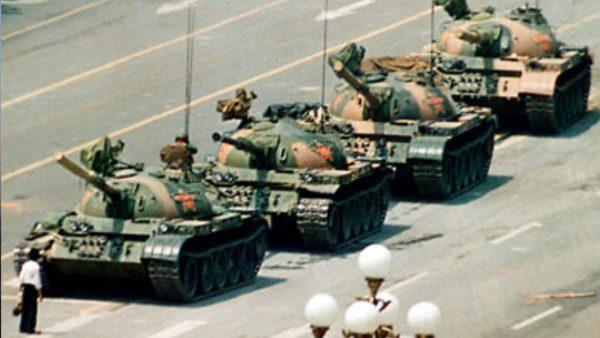 The footage shows that Wang blocked more than a dozen tanks. (Image: Michael Mandiberg flickr / CC BY-SA 2.0)