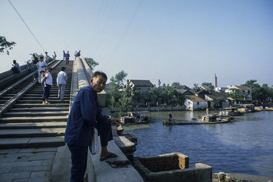 Suzhou Water Town, Suzhou, 1984. (Photographer: Alex NG)