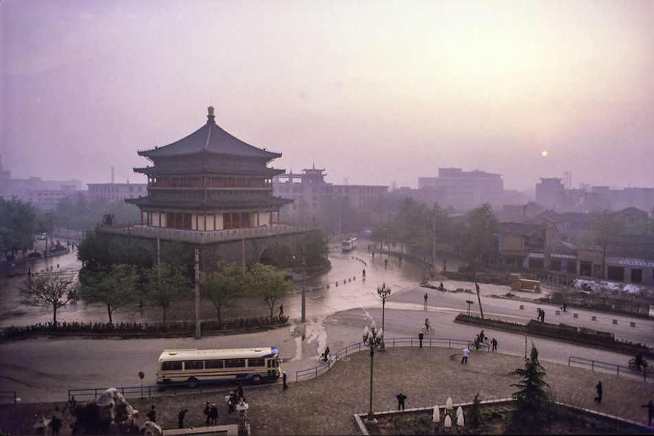 Bell Tower, Xi'an, 1984. (Photographer: Alex NG)