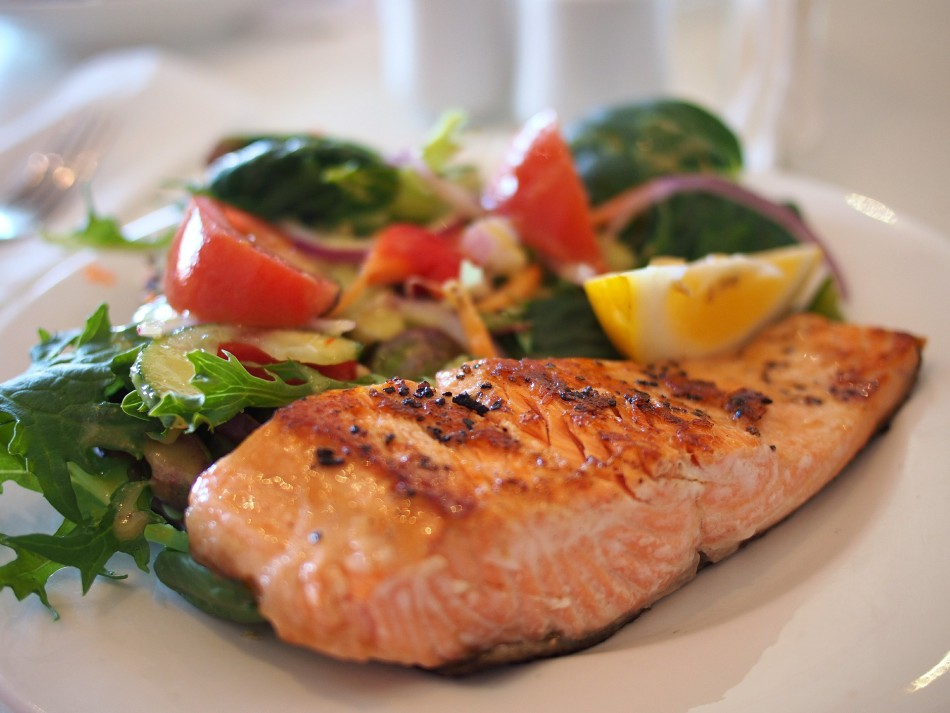 Omega-3 fatty acids from salmons can relieve pressure from the oxidation of the lungs.