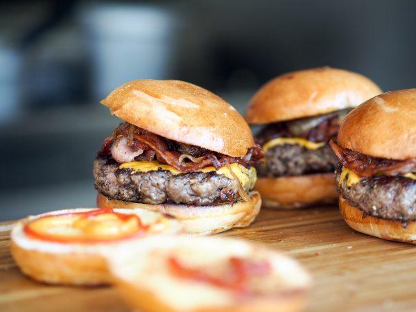 5_burger-731298_1920-pixabay_cc0