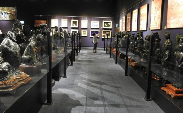 There are a wide variety of jade Buddhist statues and carvings on display at Chii Lih Museum. (Image: Billy Shyu/ Vision Times)