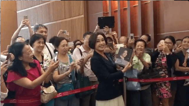 Liu Xiaoqing at her book launch in Hong Kong on July 28. (Photo by Li Zhen)