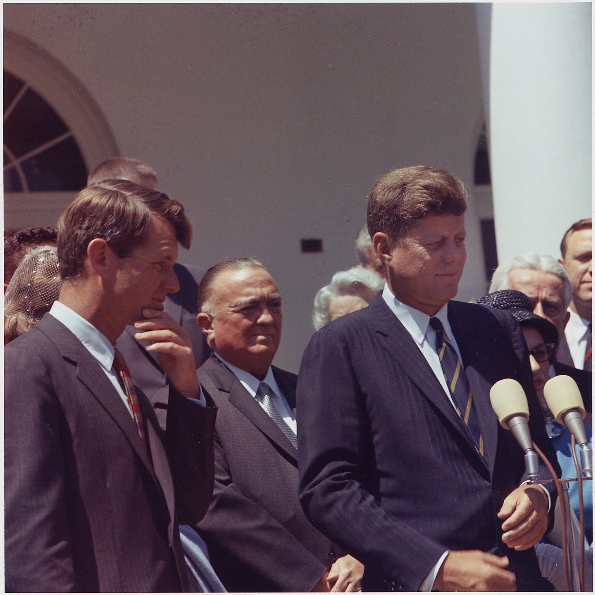 Presentation of the Young American Medals for Bravery by President John F. Kennedy and Attorney General Robert F. Kennedy, Sr in 1963. (Image: pixabay / CC0 1.0)