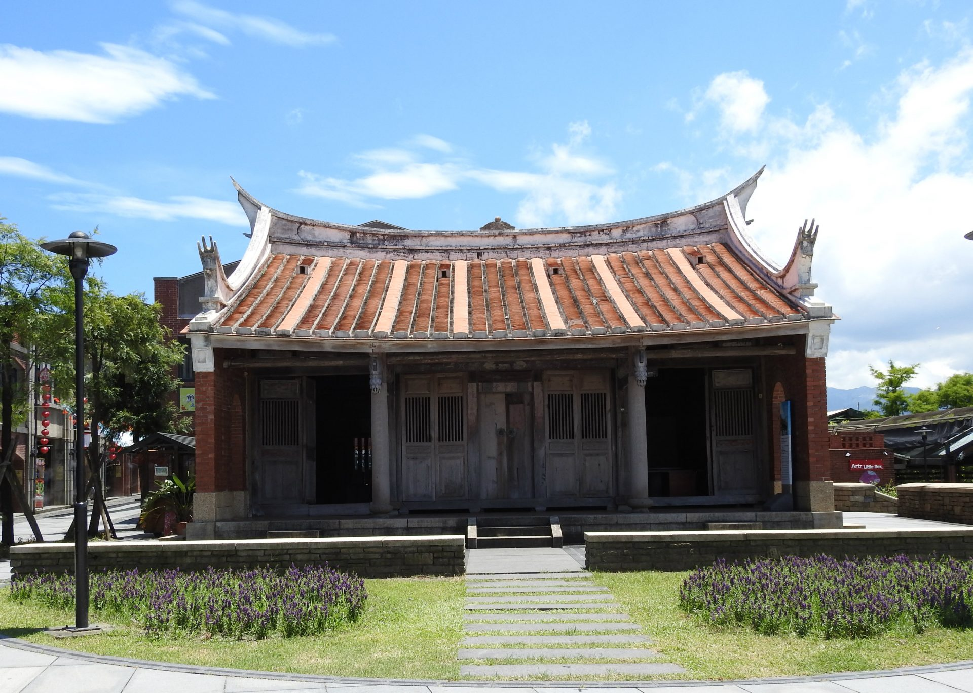 Situated in the center of NCFTA, Guang-Hsiao Shrine (廣孝堂) was built in 1924 and later moved to the current site as an information center providing information about travel in Yilan. (Image: Billy Shyu/ Vision Times)