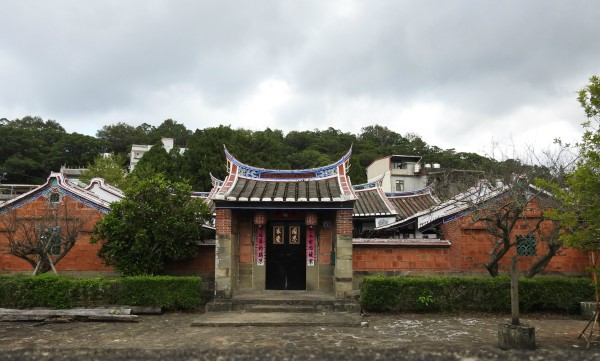 A traditional Hakka quadrangle is situated in Taiwan's Beipu Township. (Image: Billy Shyu / Vision Times)