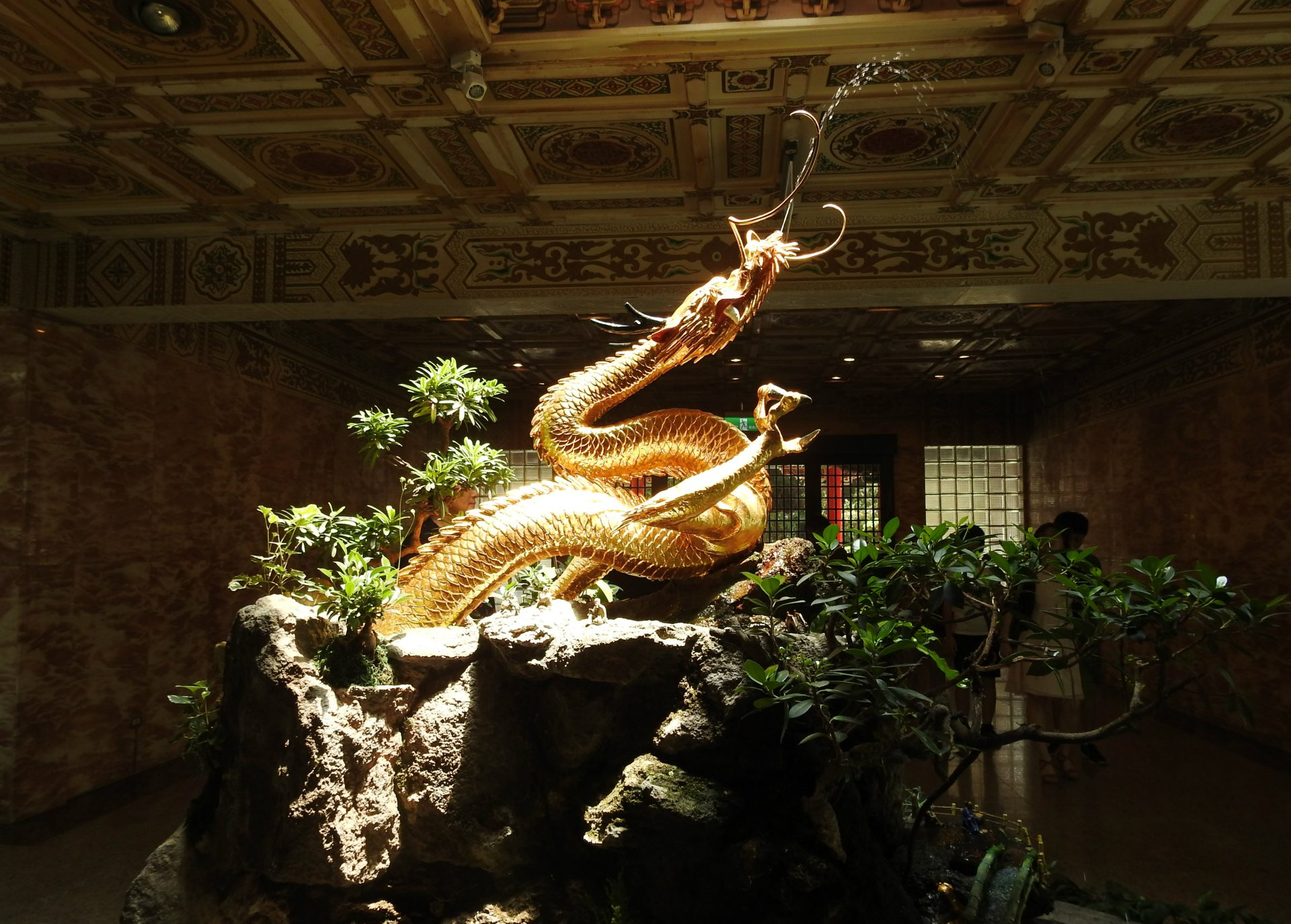 This dragon is unique because it has three claws, unlike the four or five claws of dragons that are commonly found in traditional Chinese art. (Image: Juliet Fu / Vision Times)