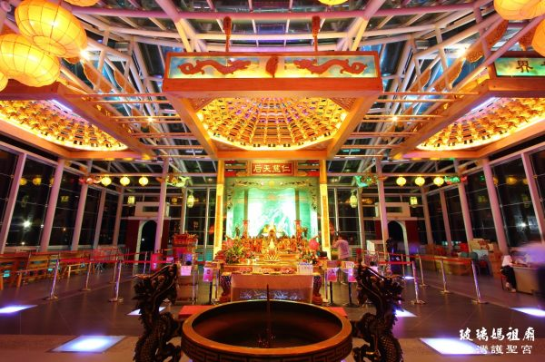 The Hu Sheng Glass Temple in Central Taiwan's Changhua Coastal Industrial Park (Image: Courtesy of Taiwan Glass Gallery)