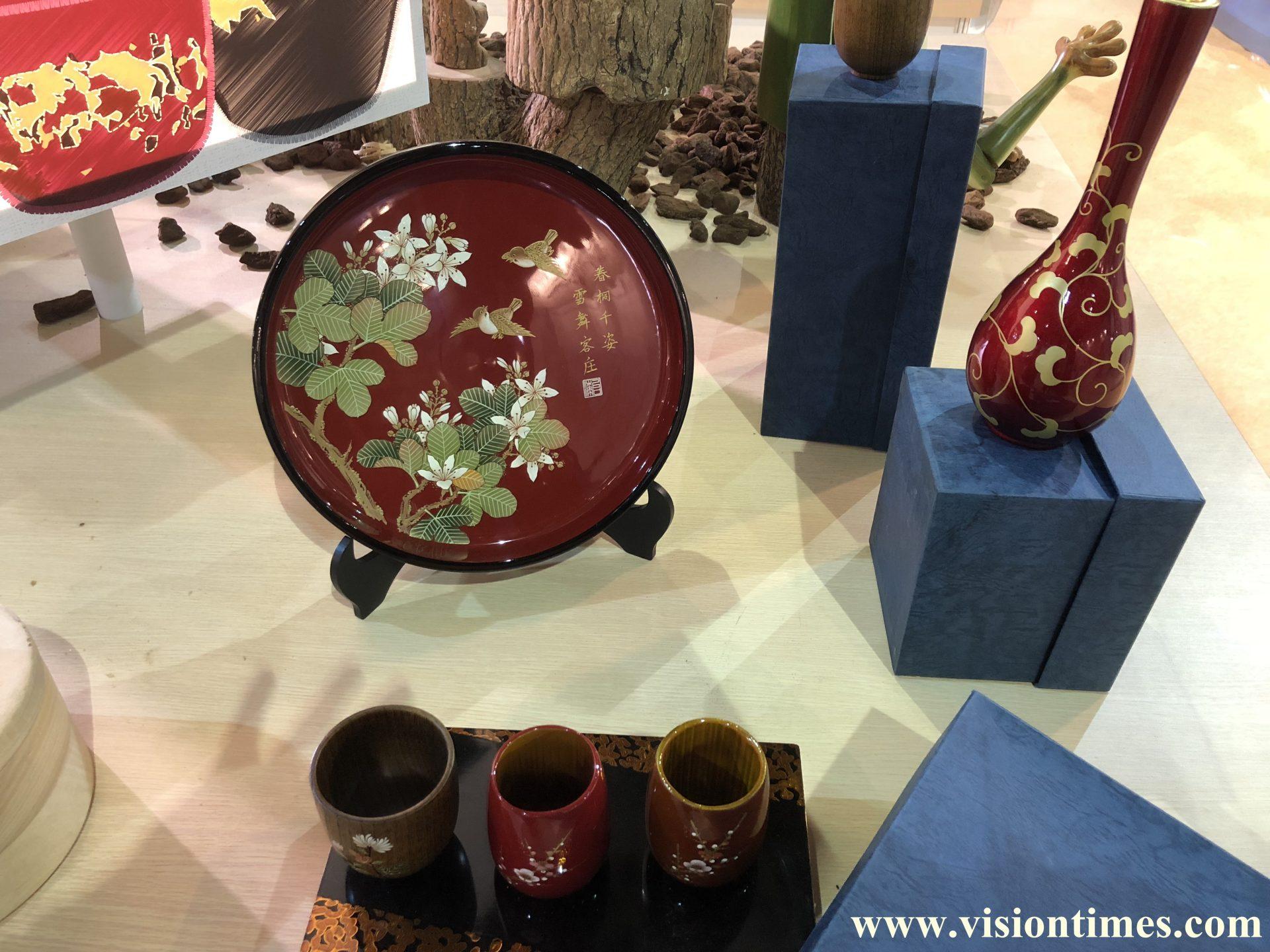 The lacquerware displayed at the 2017 Hakka Expo (Image: Julia Fu / Vision Times)