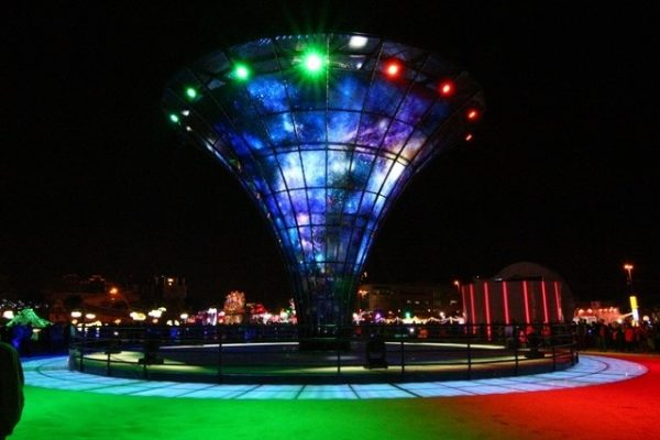 The Universal Tower made of glass in Changhua Coastal Industrial Park (Image: Taiwan Glass Gallery)