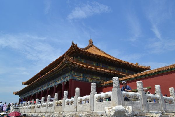 Visitors have also sworn to have seen the ghosts of soldiers, eunuchs and brides walking the halls of the Forbidden City, while others have heard music played at night as well as ladies laughing and talking with each other. (Image: via pixabay / CC0 1.0)