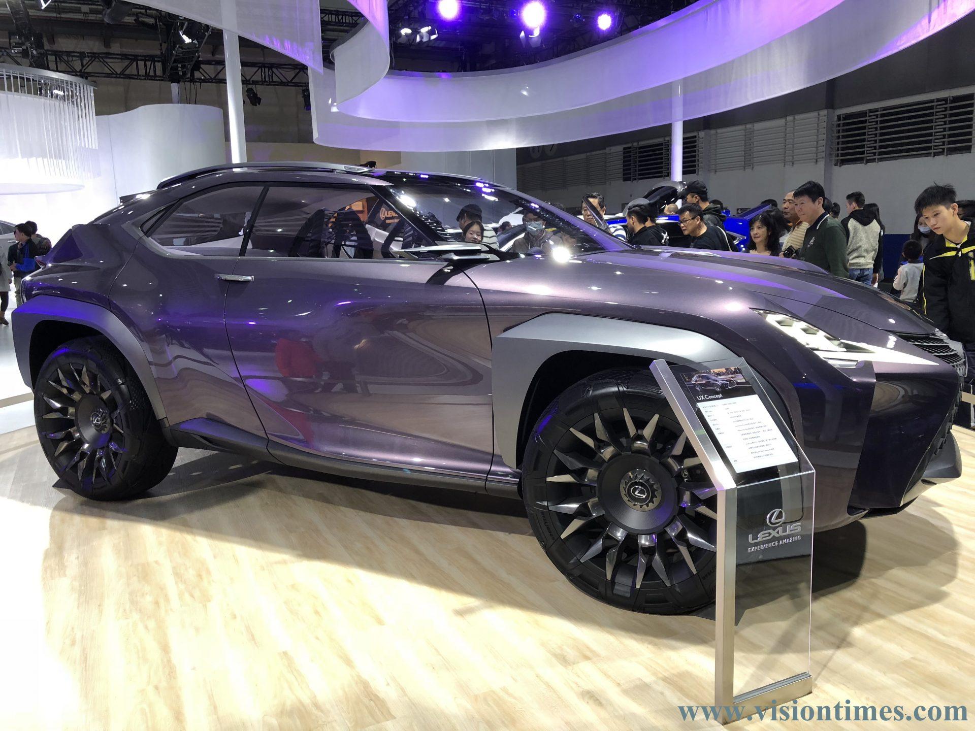 Lexus UX Concept vehicle at the 2018 Taipei International Auto Show. (Image: Billy Shyu)