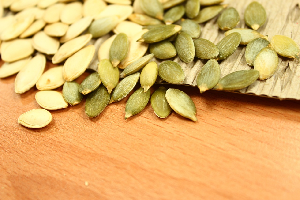 The zinc in pumpkin seeds supports the healthy functioning of the brain. (Image via pixabay / CC0 1.0)