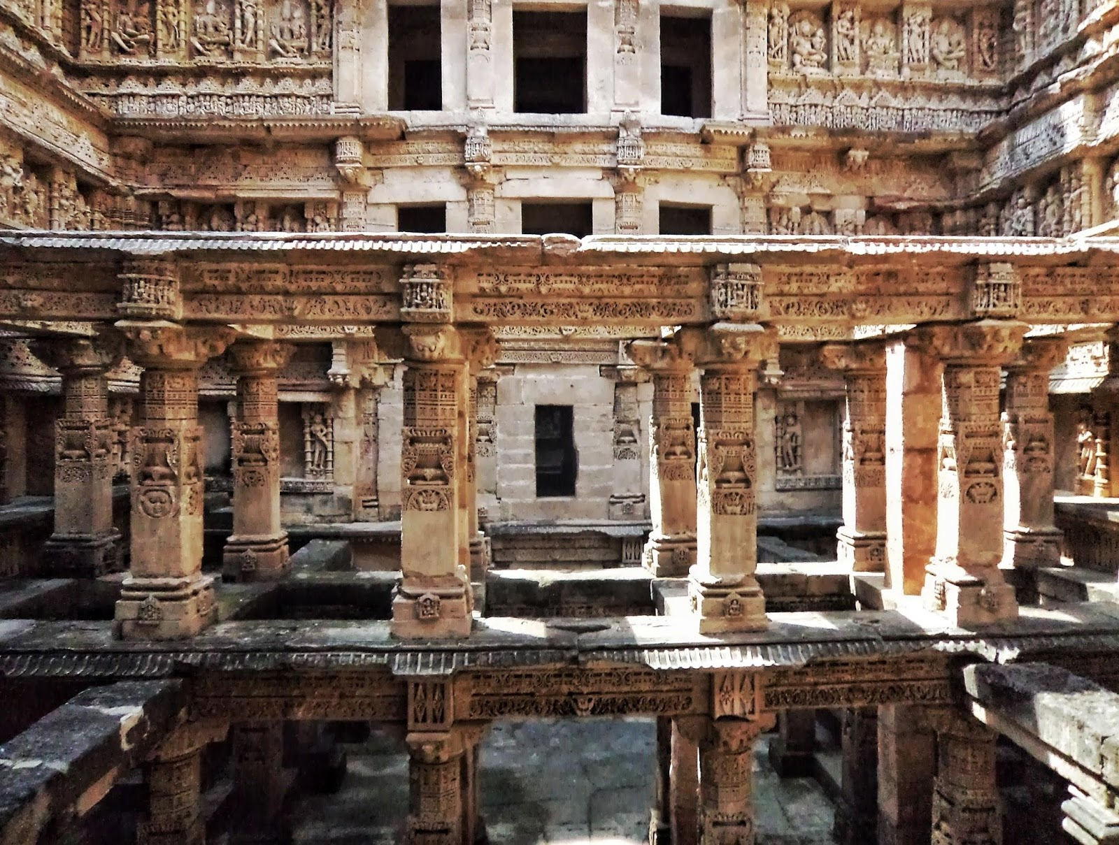 Rani Ki Vav (the Queen's Stepwell), a 2-hour drive from Ahmedabad, is a gorgeous archaeological site that displays the great beauty of complex carvings and proportions. (Image:Rishit VoraviawikimediaCC BY-SA 4.0)