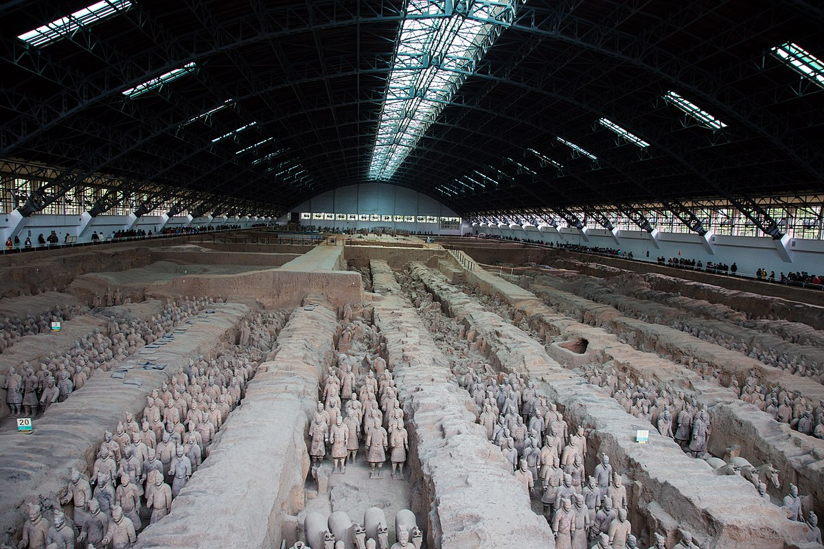 The terracotta soldiers in question are a part of a 2,000 year old Chinese heritage collection. The figures belong to a collection of 8,000 soldiers that were made of clay and built during the Qin dynasty. (Image: Jmhullot via flickr CC BY 3.0)