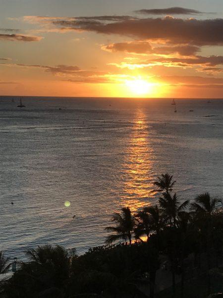 Sunset at Waikiki Beach. (Photo: Courtesy of Laura Cozzolino)