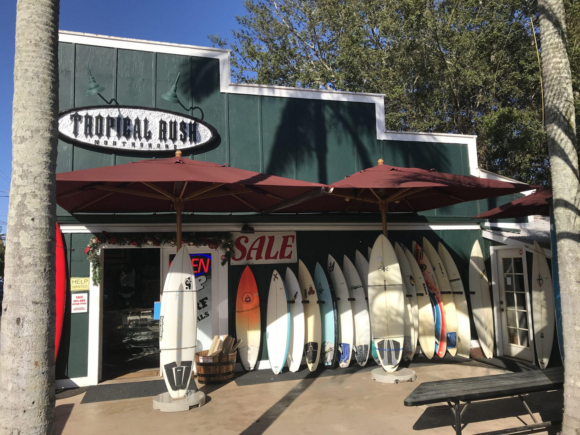 Surf shop in Hale'iwa. (Photo: Courtesy of Laura Cozzolino)