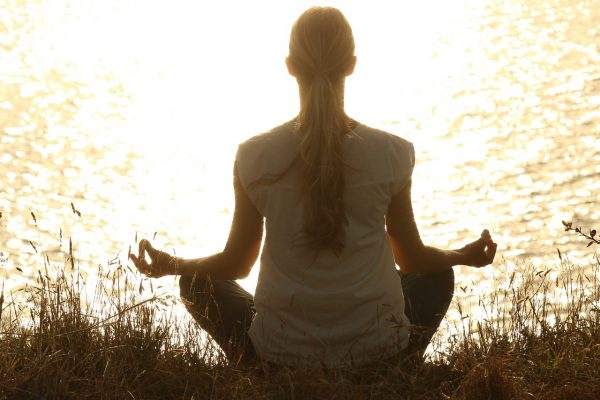 Meditation is a great way to calm your body and mind. (Image: pixabay / CC0 1.0)