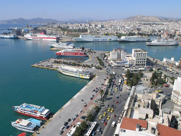 The report also states that the alleged tax fraud is taking place at the Port of Piraeus in Italy which has already cost the country millions of euros by avoiding VAT. (Image: Nikolaos Diakidis via flickr CC BY-SA 3.0)