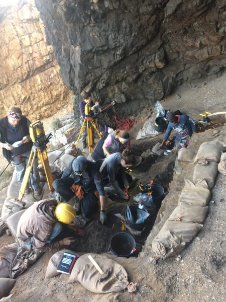 A view of the Knysna archaeological project. Pictured are students Sara Watson (UTA alum 2016), Deanna Dytchkowskyj, Kathryn Lauria, Clancey Butts; professional archaeologists, Nkosi Mgcaleka, Struan Henderson; and visiting scientist Dr. Irene Esteban. (Credit: University of Texas at Arlington)