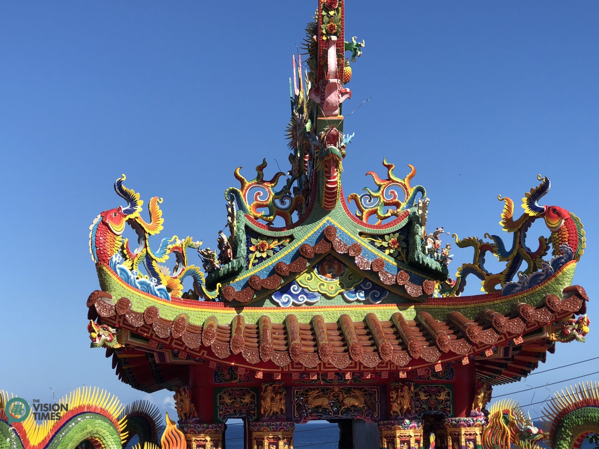 There are over 80 temples on Liuqiu and most of them have beautiful sculptures on the roof. (Image: Billy Shyu / Vision Times)