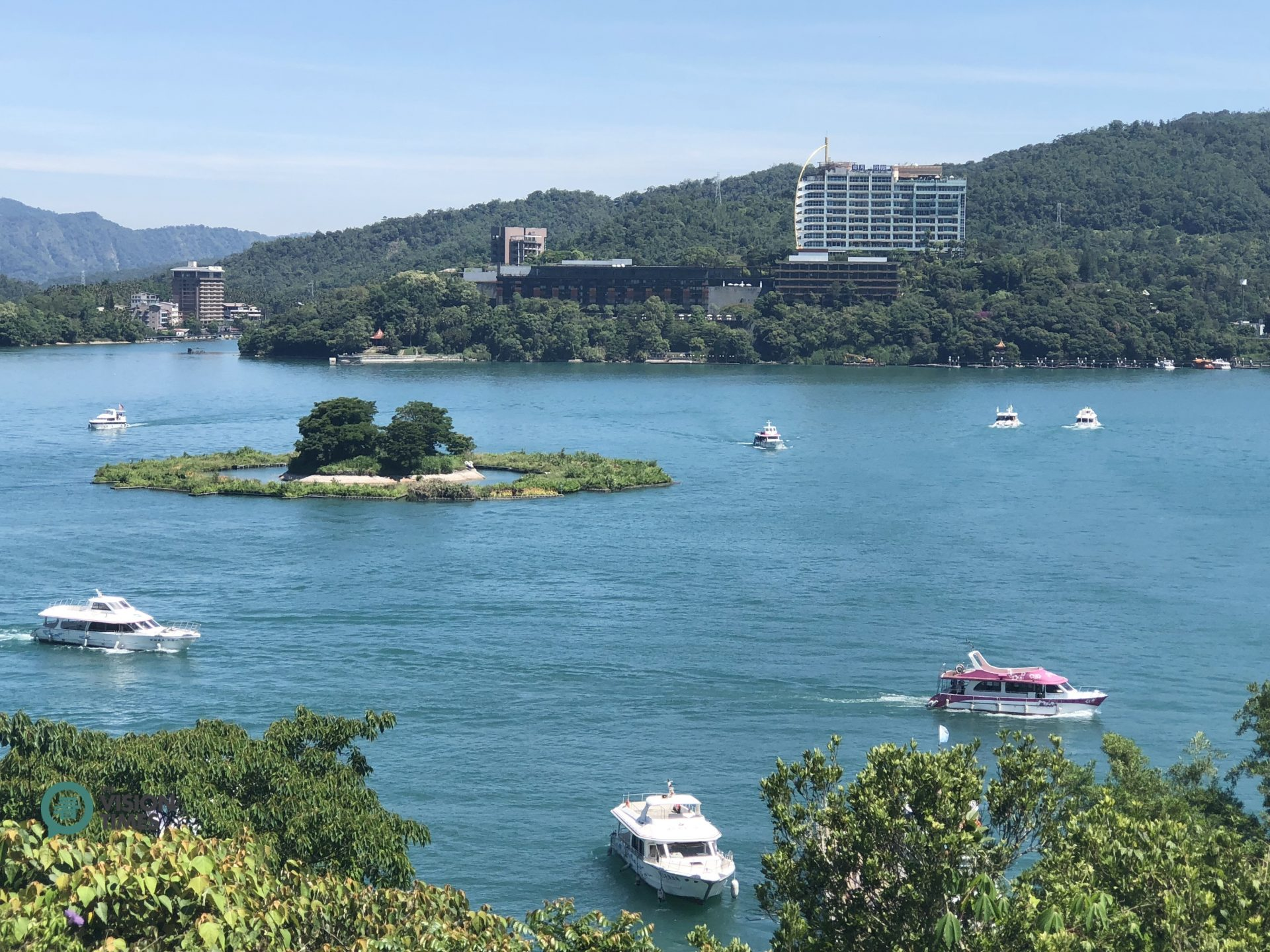 One of the best ways to tour and see Sun Moon Lake is to take a boat ride on the lake. (Image: Billy Shyu / Vision Times)
