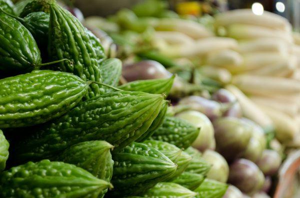 Bitter melon can help lower high blood sugar. (Image via pixabay / CC0 1.0)