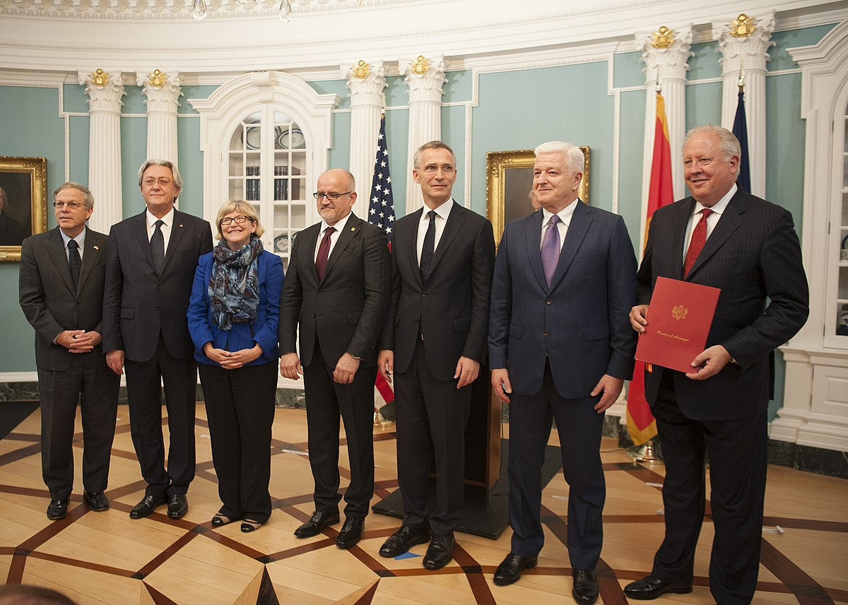 Montenegrin Prime Minister Duško Marković with NATO secretary-general Jens Stoltenberg in Washington D.C. after Montenegro's accession to the alliance in June 2017. (Image: wikimedia / CC0 1.0)