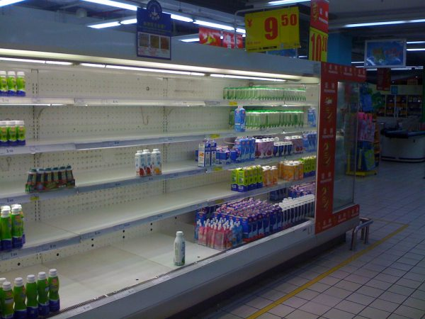 Chinese milk products are removed from a supermarket as a result of the milk scandle. (Image: Marc van der Chijs via flickr CC BY 2.0 )