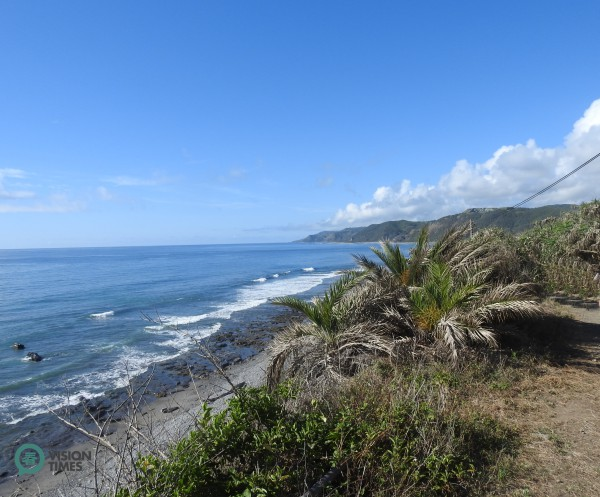 Hikers can appreciate the spectacular view of the Pacific Ocean along the Alangyi Ancient Trail. (Image: Billy Shyu)