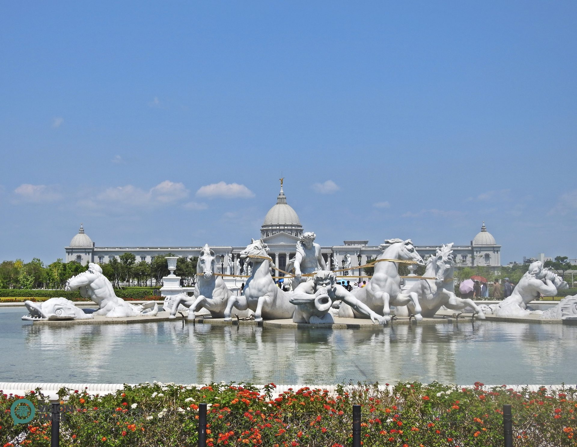 Chimei Museum's Fountain of Apollo is a replica of Le Bassin d'Apollon at the Palace of Versailles in France. (Image: Billy Shyu / Vision Times)