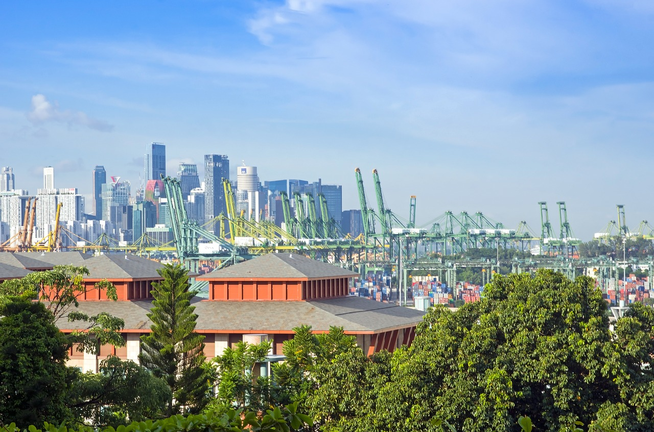 Beijing is threatening to take away the shipping business from Singapore and give it to Malaysians if Singaporeans do not side with the communist party. (Image via pixabay / CC0 1.0)
