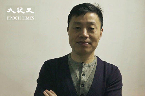 Du Bin accepted an interview with The Epoch Times on the occasion of the publication of his new book, 'Changchun Hunger Siege'. (Image: The Epoch Times)