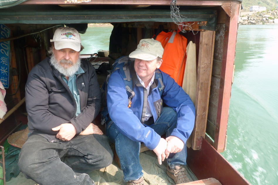Sam Bowring (left) and Doug Erwin (National Museum of Natural History, right) en route to the Penglaitan section. (Image: Image: Shuzhong Shen)