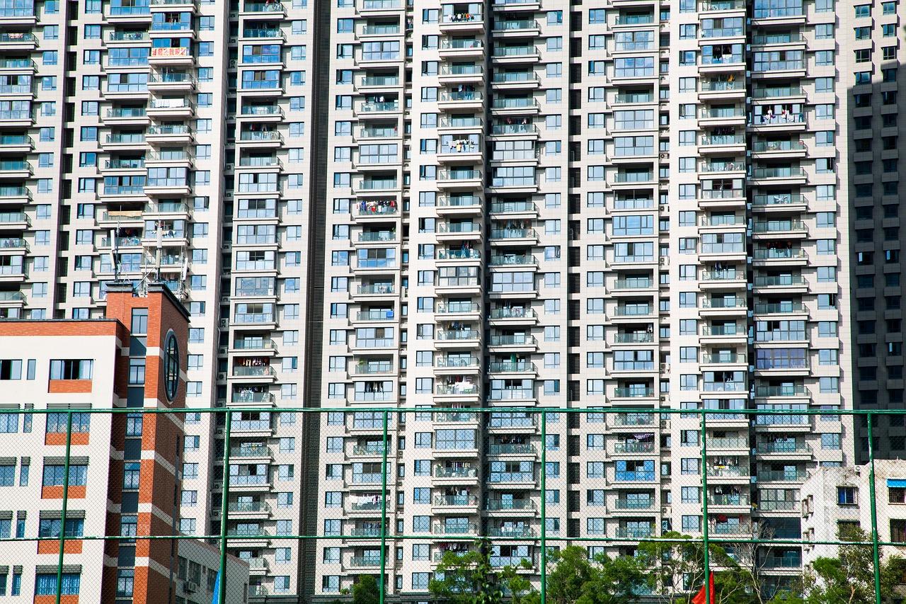 tall-buildings-1891030_1280