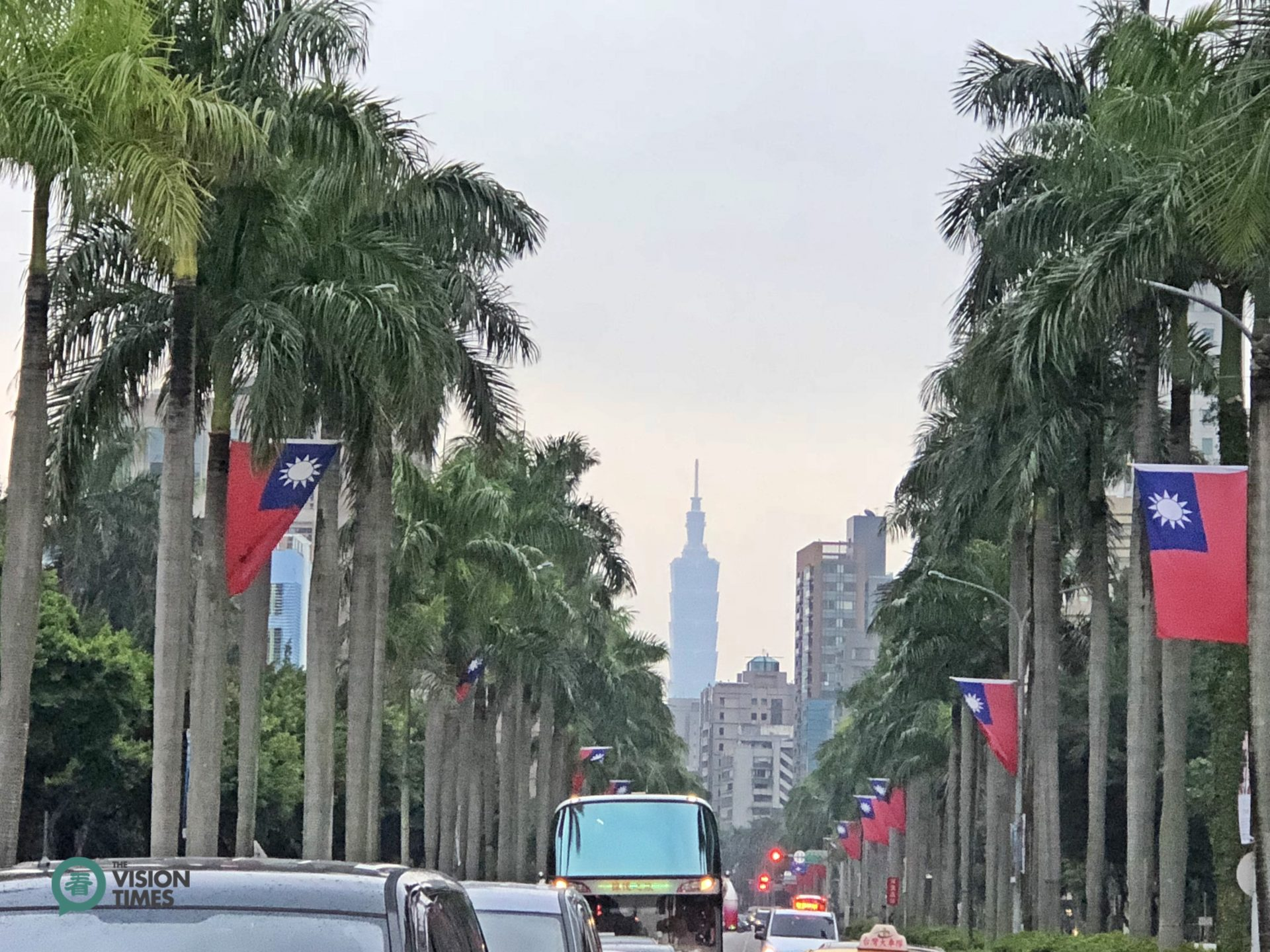 The two sides of some streets in Taipei City are replete with national flags to celebrate Taiwan's National Day. (Image: Billy Shyu / Vision Times)