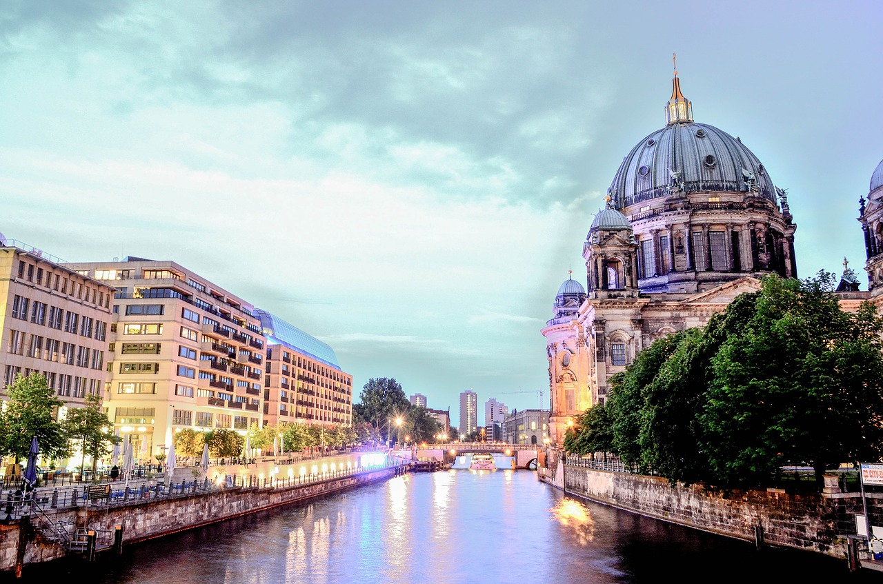 berlin-cathedral-1882397_1280