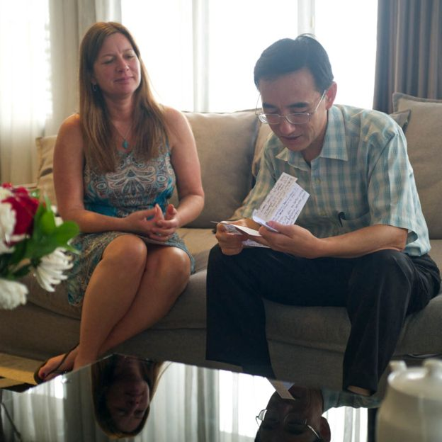 Julie Keith speaks with Sun Yi in 2017 in Jakarta, Indonesia. (Flying Cloud Productions)