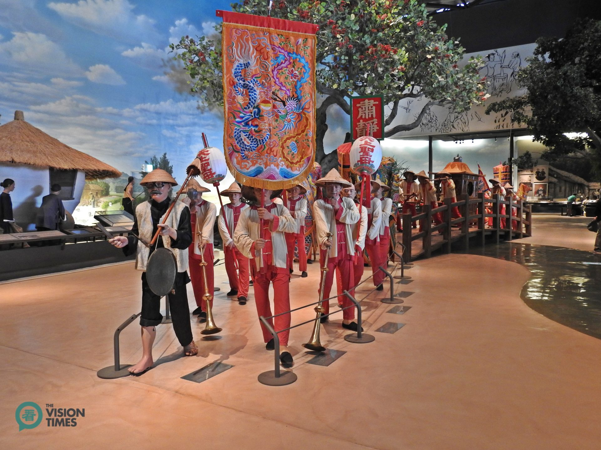 The life-sized objects depicting Taiwan's traditional religious parade at the permanent exhibition gallery. (Image: Billy Shyu / Vision Times)