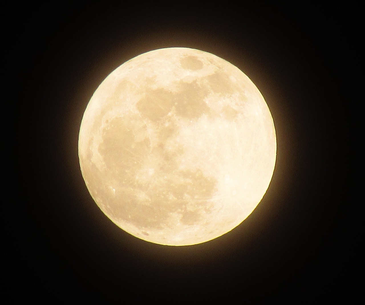 The Tian Fu New Area Science Society aims to launch an artificial moon into space that will provide enough illumination for the city of Chengdu. (Image: pixabay / CC0 1.0)