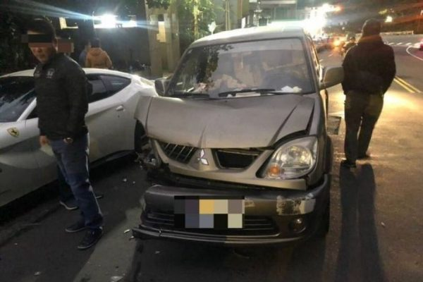 While driving his car, Lin fell asleep from the exhaustion and crashed into four Ferraris around 5:40 am in the morning. Horrified, Lin got out of his car and checked the vehicles. (Image: New Taipei City Police Department / CC0 1.0)