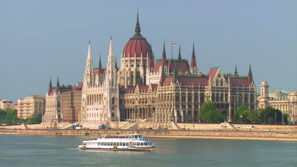 Budapest- The Best of Hungary 3-19 screenshot
